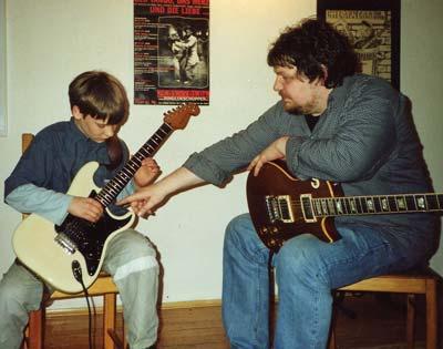 Unterricht-E-Gitarre-400.jpg